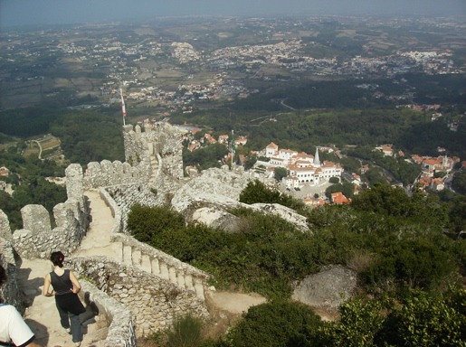 Estramaduran countryside, Castelo dos Mouros commands the town of Sintra
