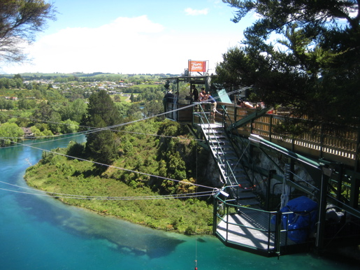 Bungy Jumping in Lake Taupo