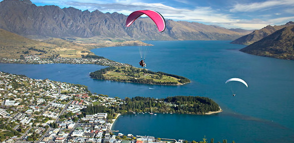 Paragliding in Queenstown